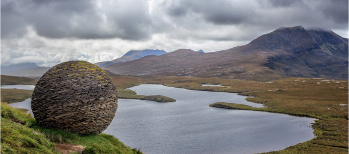 The Globe, Knockan Crag