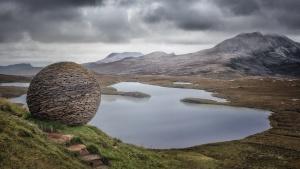The Globe, Knockan Crag